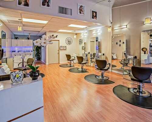 blow-dry-bar-del-mar-chairs-counter-delbeautybox